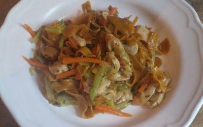 Asia Gemüsepfanne mit Currynudeln