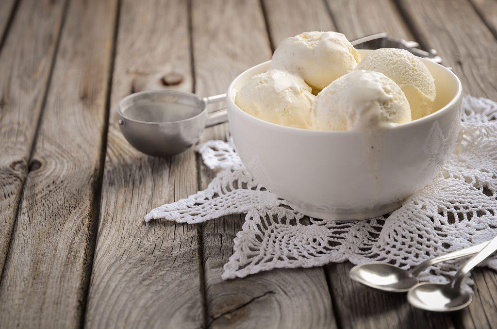 Schoko Zimtnudeln Mit Vanilleeis Und Schokosoße Rezept Pastatelli